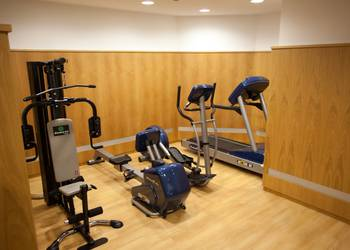 FITNESS ROOM Continental Hotel